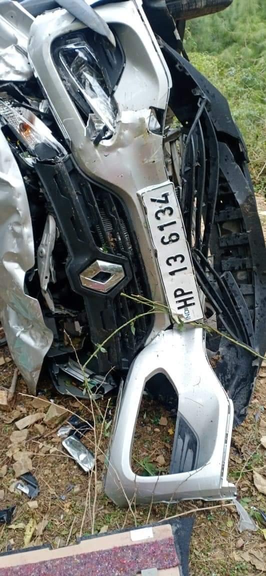 शिमला :जुब्बड़हट्टी एयरपोर्ट में कार्यरत्त कर्मचारी की गाड़ी गिरी, कर्मी की हादसे में मौत